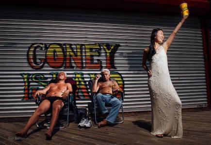 The Most Coney Island Wedding Photo Ever